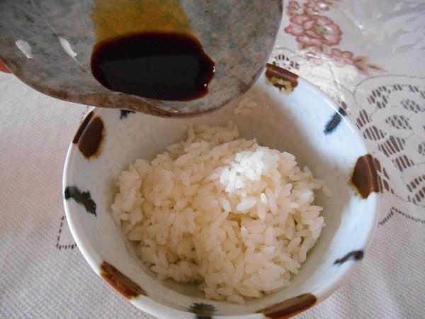 ご飯と醤油