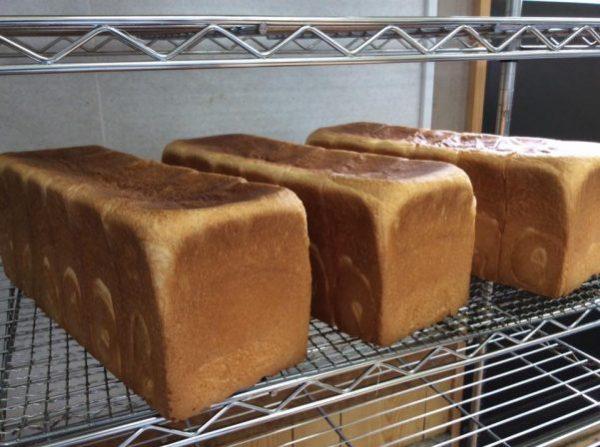 もちふわ食パン