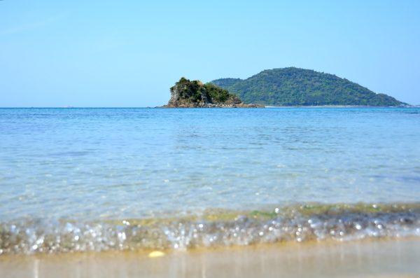 興居島 海