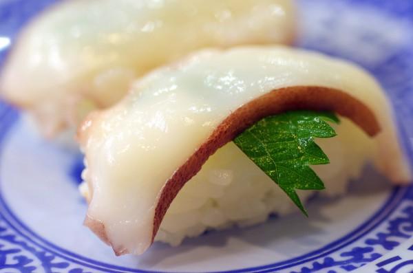 回転寿司 発明